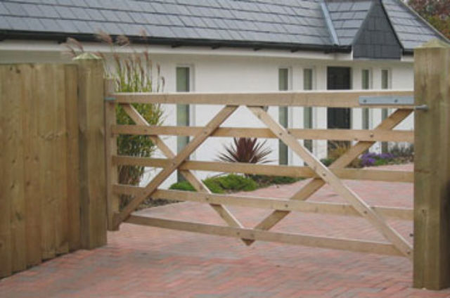 Softwood 5 Bar Field Gate